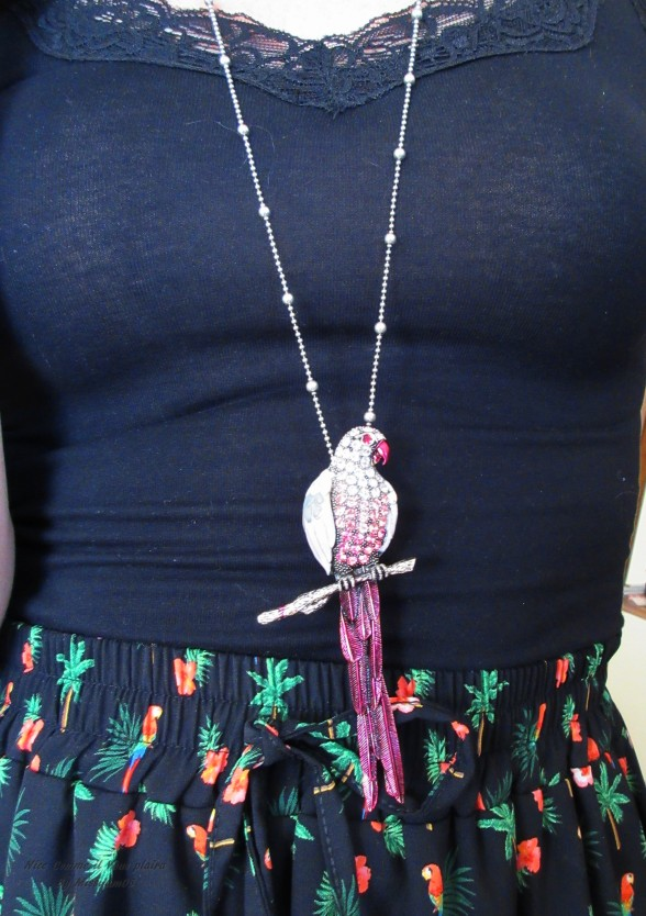 relooking_profile2_femme_artiste_closeup_accessoire