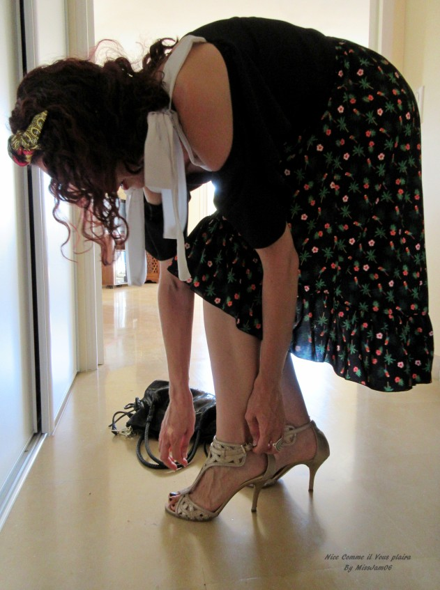 relooking_profile2_femme_artiste_soir_chaussures