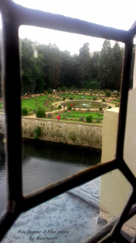 vuefenetre_jardin_chenonceau_nicecommeilvousplaira.jpg